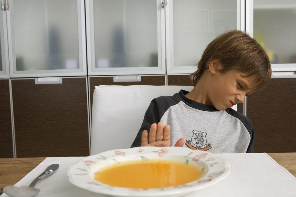 مشاكل التغذية ورفض الطعام عند أطفال التوحد
